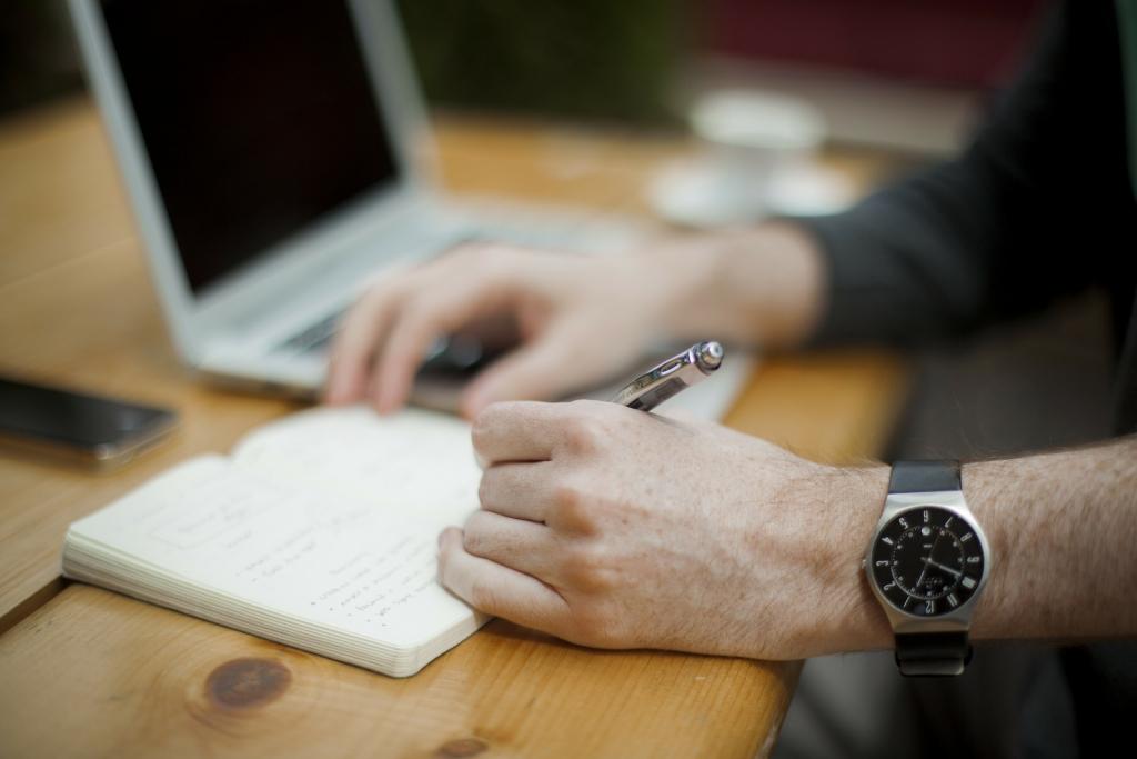 Nếu bạn có khả năng viết lách thì Freelance Content/Copywriter chính là việc làm từ xa thích hợp nhất cho bạn