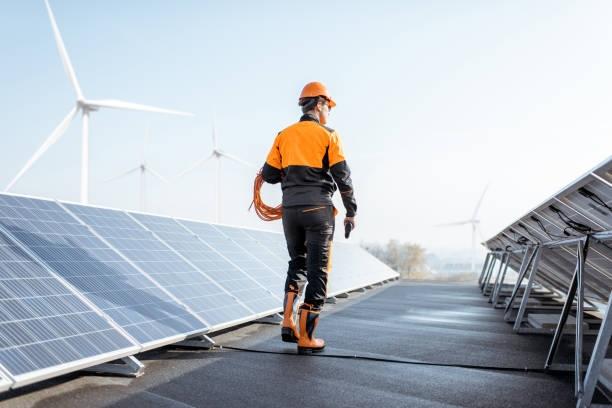 Môi trường làm việc luôn thay đổi nên người thợ điện phải đảm bảo sức khỏe tốt