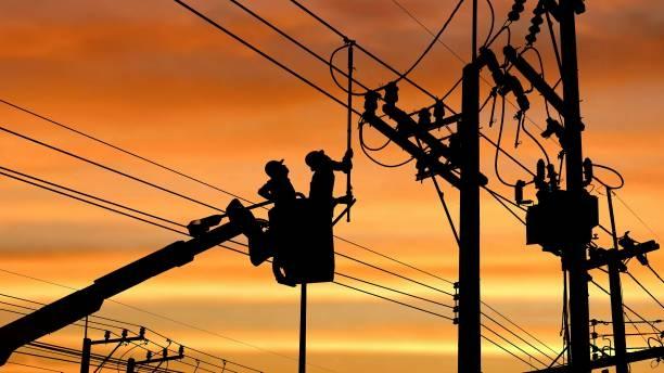 Thợ điện cần trang bị những kỹ năng, kiến thức gì trước khi làm việc?