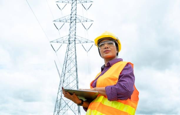 Một thợ điện phải không ngừng trau dồi các kỹ năng kỹ thuật mới để phát triển chuyên môn