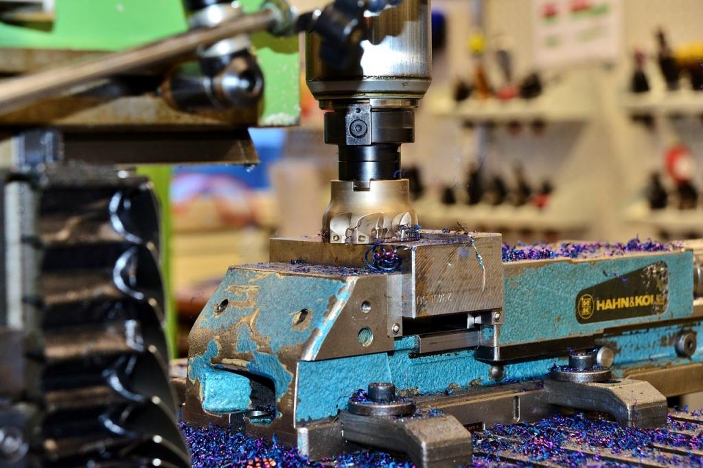 Để làm thợ cơ khí cần trang bị những kỹ năng, kiến thức gì? Học trường nào?