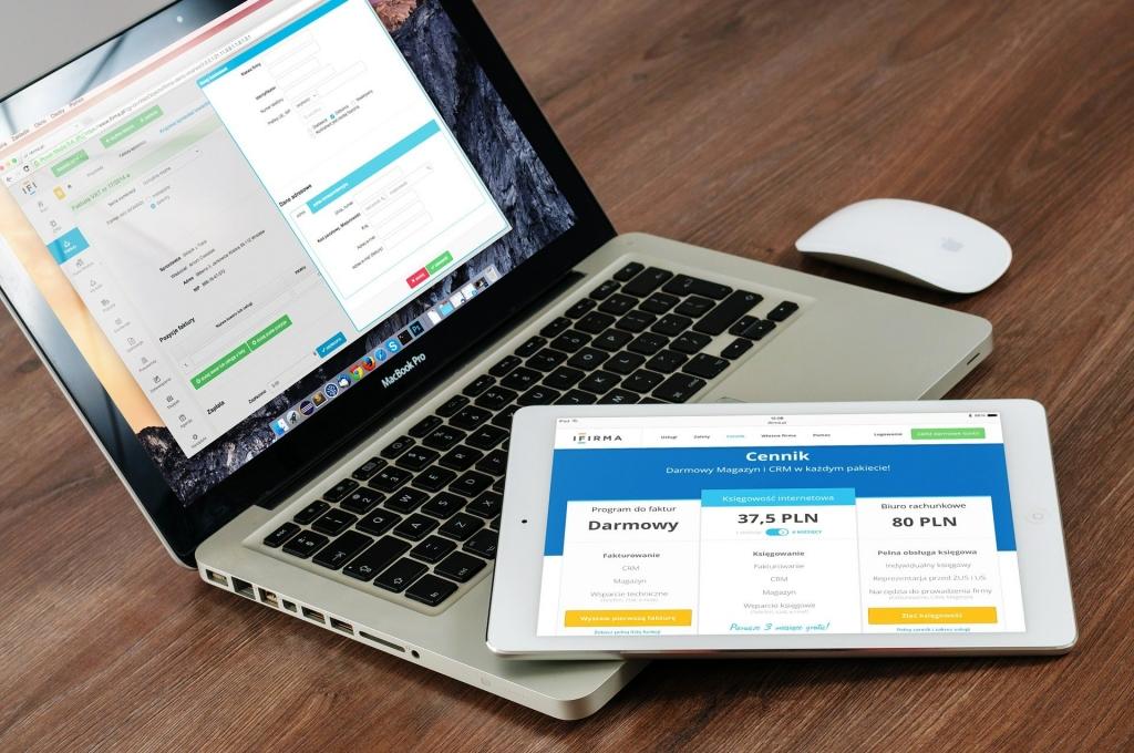 Phần mềm quản lý khách hàng là công cụ đắc lực hỗ trợ nhân viên chăm sóc khách hàng làm việc hiệu quả