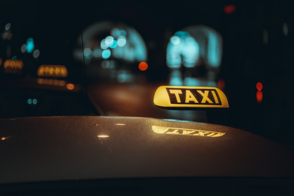 Việc làm lái xe taxi cần những kỹ năng gì? Những gì cần lưu ý khi làm việc lái xe taxi?